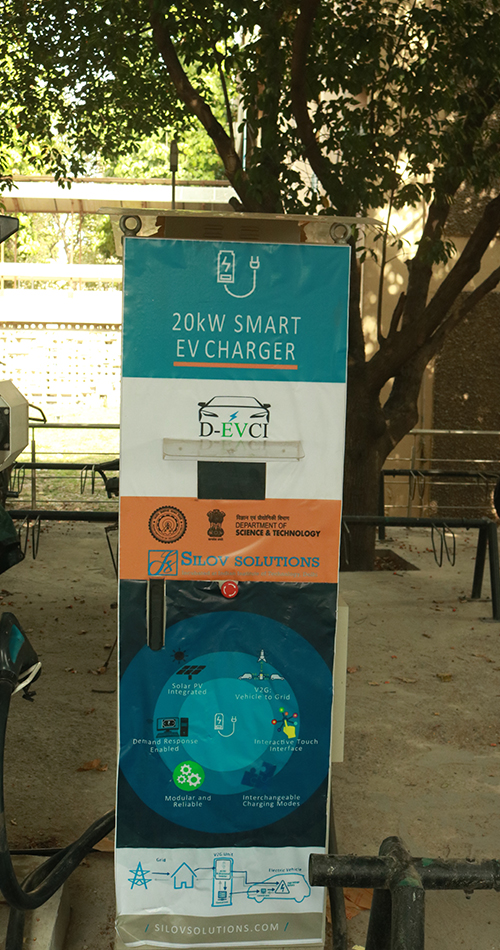 IIT Delhi Develops Environmentally Friendly, Easily Scalable, Smart and Modular Electric Vehicle Charger