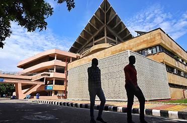 IIT Delhi's School of Artificial Intelligence to Start 'M.Tech in Machine Intelligence & Data Science (MINDS)'