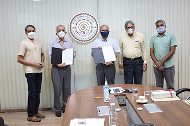 Vipula and Mahesh Chaturvedi Foundation Signs MoU to Attract Outstanding Talent to IIT Delhi