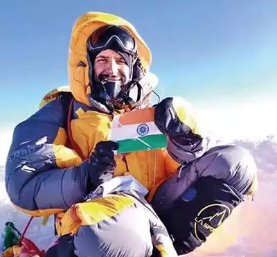 Height of Resilience : IIT- Delhi alumnus fights of COVID-19, scales Everest